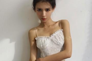 不愧是王思聪最美前女友上衣只穿15厘米秀出漫画腰无人能敌